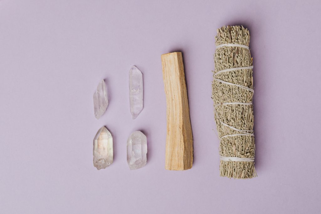 photo of sage beside palo santo 4040610