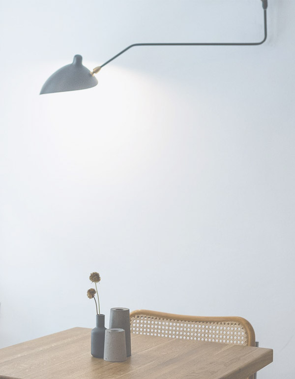 Sandinavian feel minimal table