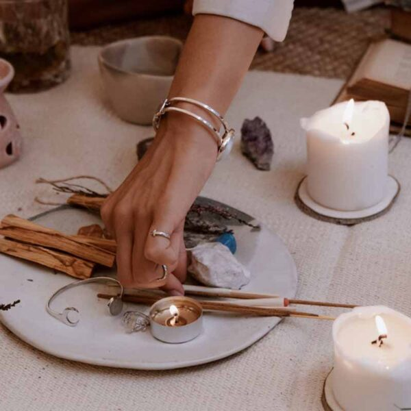Palo santo salvia sandalwood rituals