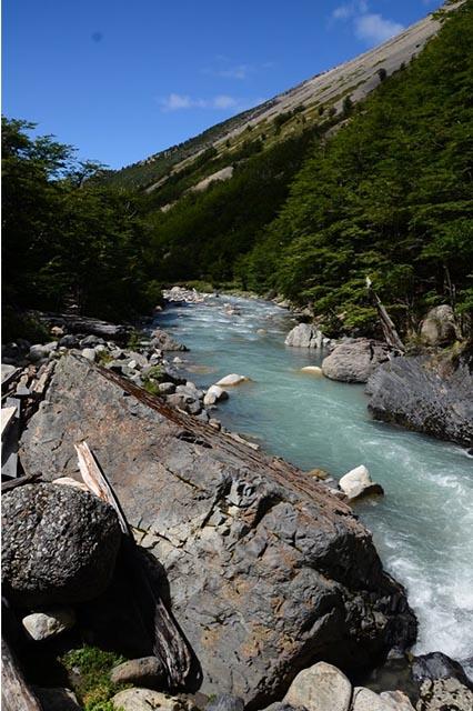 Patagonia las torres river
