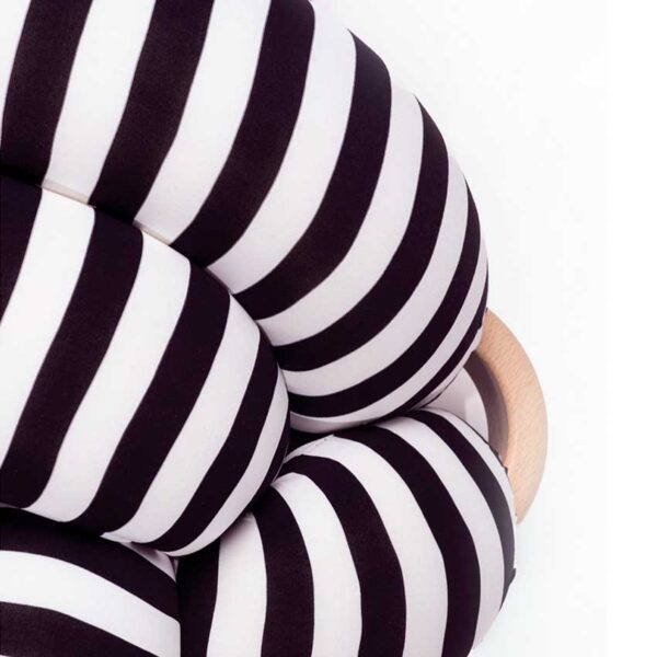 Black and white knot pouf1